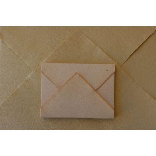 Merített papír hajtogatott boríték különböző méretekben